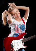 Woman Playing the Guitar — Stockfoto