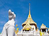 Lion Status at Wat Traimitr , The Golden Buddha, Bangkok — Stock Photo