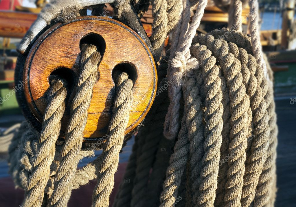 Close-up of a fasten rope — Stock Photo #11591638