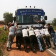Pushing the Bus - Cambodia — Stock Photo