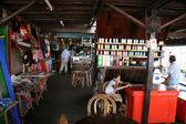 Toeristische winkel - tonle sap, cambodja — Stockfoto