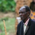DR CONGO - NOV 2ND : Refugees cross from DR Congo into Uganda at — Stock Photo #11654030