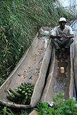 Man in Boat Lake Bunyoni - Uganda, Africa — Foto Stock