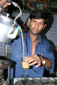 Traditionelle indische tee - slums von bombaby, mumbai, indien — Stockfoto