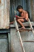 Child in Slums in Bombaby , Mumbai, India — Stock Photo