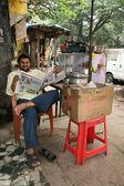 Man - Slums in Bombaby, Mumbai, India — Stock Photo
