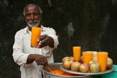 Fresh Orange Juice - Slums in Bombaby, Mumbai, India — Stock Photo