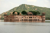 Ancient Palace in Lake - Jaipur, India — Stock Photo