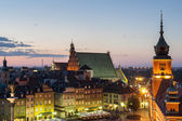Château royal de varsovie pendant la nuit — Photo
