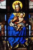 Madonna con el niño. — Foto de Stock
