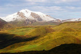 Montanhas cobertas de neve — Fotografia Stock