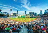 PNC Park and Downtown PIttsburgh — Stock Photo
