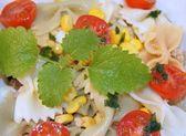 Fresh salad pasta — Stock Photo