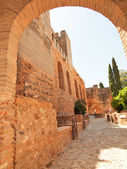 The arch of Alcazaba fortress, the Alhambra in Granada, Andaluci — Stock Photo