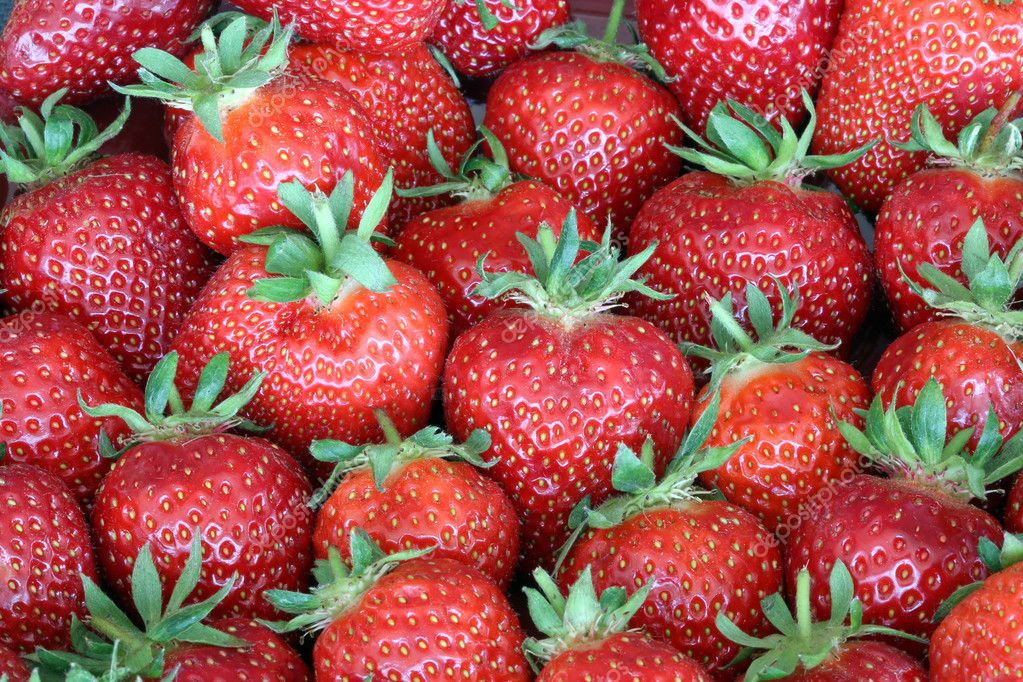 Freshly Strawberry on Farmer's Market — Stock Photo #10923133