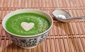 Sweet pea soup — Stock Photo