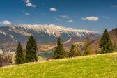 пейзаж с горами в летний день — Стоковое фото