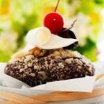 Chocolate muffin — Stock Photo #11450037