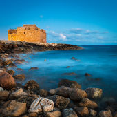 Night view of the Paphos Castle (Paphos, Cyprus) — Stock Photo
