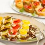 在餐饮上的开胃菜迷你甜品自助餐盘 — 图库照片