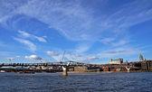 ロンドンのミレニアム ブリッジ — ストック写真