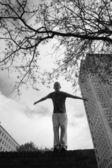 Adolescente practicando funcionamiento libre — Foto de Stock