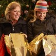 Two Women Returning After Christmas Shopping Trip — ストック写真