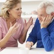 senior couple having argument zu hause — Stockfoto #11881197