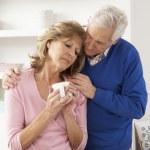 Senior Man Consoling Wife — Zdjęcie stockowe #11881206
