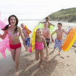 Teenagers on beach — Stock Photo