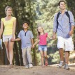 Foto Stock: Family on country walk