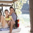 Young couple on day out in country — Stock Photo