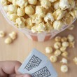 Popcorn en bioscoop tickets — Stockfoto