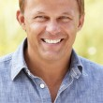 Portrait caucasian man outdoors — Stock Photo