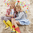 Children on beach vacation — Stock Photo