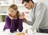 Par discutir en casa — Foto de Stock