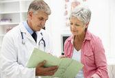 Doktor s pacientka — Stock fotografie