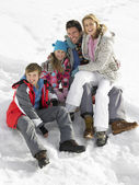 Young Family On Winter Vacation — Stock Photo