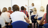 Studenti e tutor in classe — Foto Stock