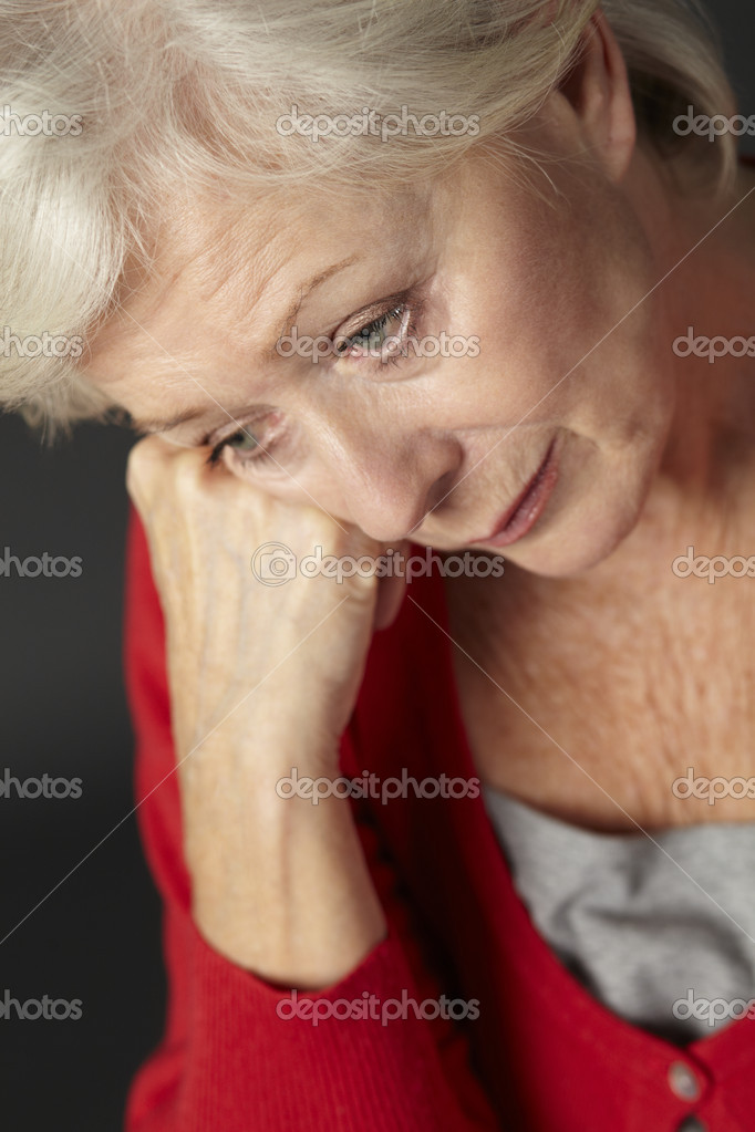 Senior woman suffering from depression — Stock Photo #11888508
