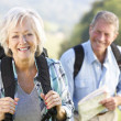 Senior couple on country walk - Foto de Stock