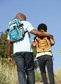 Père et fils sur la randonnée de pays — Photo