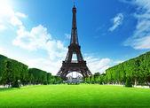 Eiffel tower in Paris, France — Stock Photo
