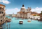 Grand Canal and Basilica Santa Maria della Salute, Venice, Italy — Стоковое фото