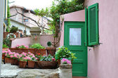 Small courtyard in Giglio Island — Stock Photo