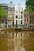 Oude huizen van amsterdam, nederland — Stockfoto