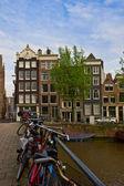 Vecchie case di amsterdam, paesi bassi — Foto Stock
