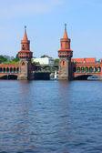 Oberbaum bridge, berlijn — Stockfoto