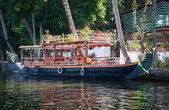 лодка в заводи — Стоковое фото