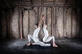 Yoga di coppia in india — Foto Stock